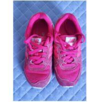 Tênis pink New Balance 574 tam 27 - 27 - New Balance