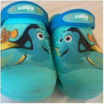 Crocs azul  tema Nemo