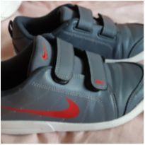 TÊNIS NIKE - 33 - Nike
