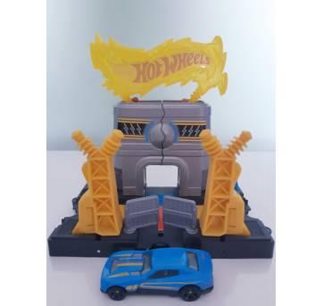 Hot Wheels Usina Elétrica do Macaco - Sem faixa etaria - Mattel