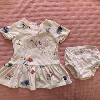 Vestido GAP florido - 3 a 6 meses - Baby Gap