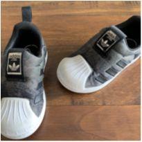 Tênis adidas superstar camuflado - 21 - Adidas