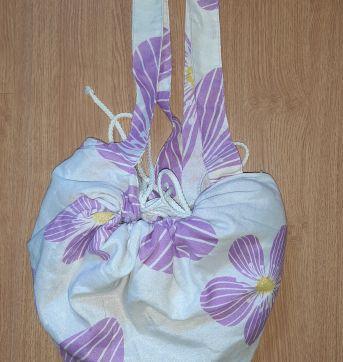 Bolsa de praia que vira toalha - Sem faixa etaria - Outras
