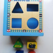 Jogo de encaixe de formas Thomas