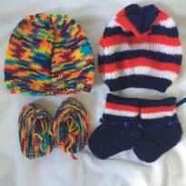 Lote de toucas com sapatinhos de lã - Sem faixa etaria - Sem marca