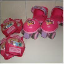 Patins (Ajustável) Princesas com Kit de Proteção - Rosita  USADO