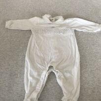 Macacão algodão com babado - 0 a 3 meses - Chicco