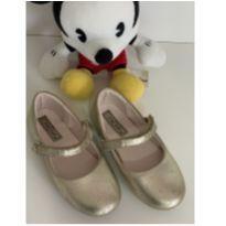 Sapato dourado - 26 - Xuá Xuá