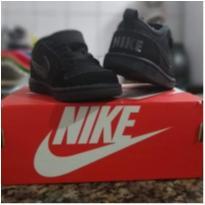 Tenis Nike - 20 - Nike