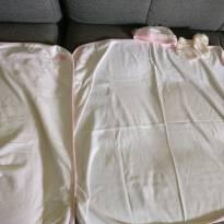 2 Manta (s) /cueiro little me touca e sapatinho importado - Sem faixa etaria - Little Me
