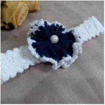 Faixa para bebê Crochê branco com azul Linda! -  - sem etiqueta