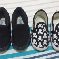Sapatos preto e caveirinha - 18 - Não informada