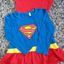 Blusinha super girl - 4 anos - Não informada