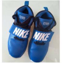 Tênis Nike Team Hustle D8 - 34 - Nike
