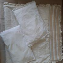 Cobertor + 2 travesseiros -  - Sem marca