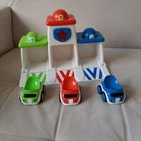 Brinquedo carrinhos com som