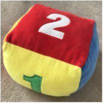 Dado de plush brinquedo para bebê com chocalho -  - Fizzy