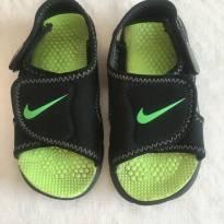 Sandália Nike original tamanho 22/23 - 22 - Nike