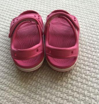 Sandália Crocs Crocband Bebê Rosa - 20 - Crocs