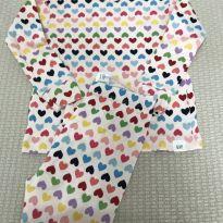 Pijama Corações Coloridinho Gap - 12 a 18 meses - GAP e Baby Gap