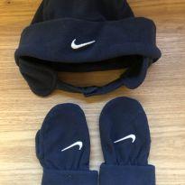 Touca e luvinha em fleece Nike