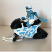 Batman com moto de neve -  - Mattel