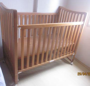 Berço de madeira Babylandia - Sem faixa etaria - Não informada