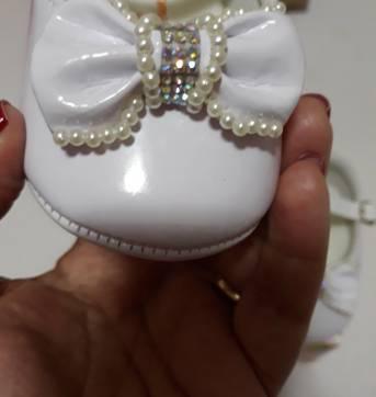 Sapato verniz branco com pérolas - 17 - pequeninas