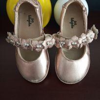 Sapato/sapatilha flores em couro - 23 - Luluzinha