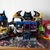 4 Imaginext Batman + Coringa pelo preço de 1 - Sem faixa etaria - Imaginext