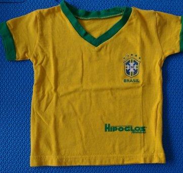 63885b4c3ff8a Camiseta BRASIL 3 a 6 meses no Ficou Pequeno - Desapegos de Roupas ...