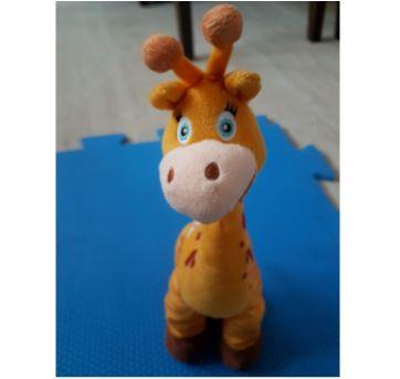 Girafa Pelúcia Gaby Doutora brinquedos (importada) - Sem faixa etaria - Disney e Importada