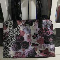 Bolsa floral -  - Mary Kay