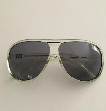 Oculos de sol DG  inspired - Sem faixa etaria - Não informada