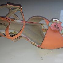 Sandália linda nunca usada - 34 - Ortopé