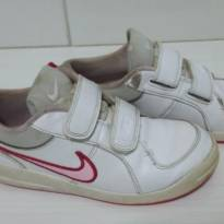 Tênis Nike original tamanho 33