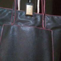 Bolsa preta com detalhes rosa, Santa Lola, Couro -  - Santa Lola