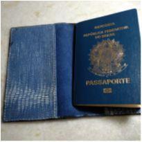 porta passaporte em couro - Seu companheiro de viajem -  - Sem marca