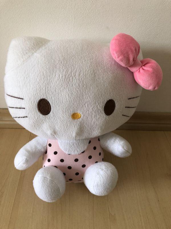 4ab58524153b8 Hello kitty pelúcia marca Sanrio no Ficou Pequeno - Desapegos de ...