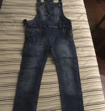 Macacão jeans estiloso - 3 anos - Não informada