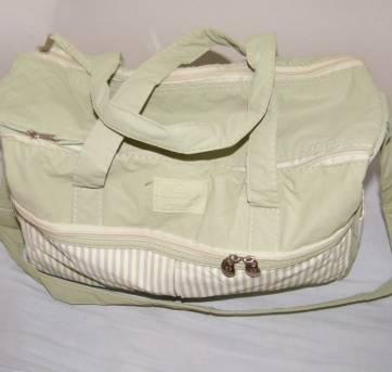 Kit com bolsa e frasqueira Natura - Sem faixa etaria - Natura