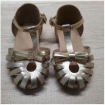 Sandália  dourada - 23 - Marisol