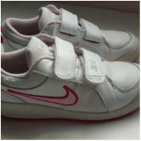 Tênis de couro - 30 - Nike