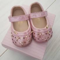 Sapato Rosa da Lilica Ripilica tamanho 17