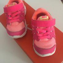 Tènis Rosa - 20 - Nike