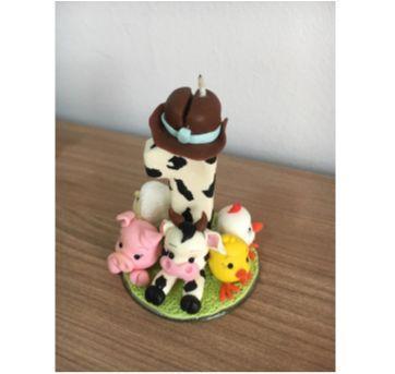 Topo de bolo Fazendinha - vela 1 + vaquinha e porquinho em biscuit - Sem faixa etaria - Artesanal