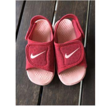 Sandália Papete Rosé Sunray Adjust Nike - 25 - Nike