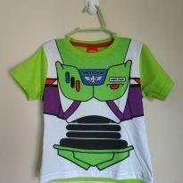 Camiseta manga curta Buzz Lightyear tam 2 nova nunca usada