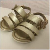 Sandália Dourada Klin