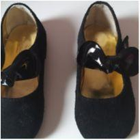 Sapato de camurça tam. 24  fechamento com velcro - 24 - Barbara Lima